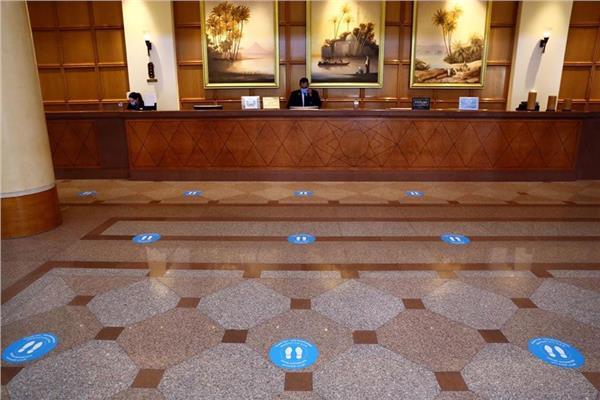 السياحة : 22 فندق جديد يستلم شهادة السلامة الصحية