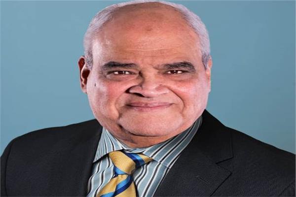د. أحمد وحيد، عميد الكلية