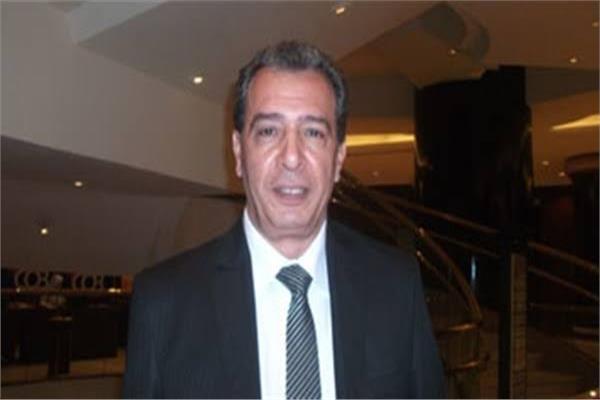 ا.د. اشرف عقبة رئيس أقسام الباطنة العامه والمناعة بكلية الطب جامعة عين شمس