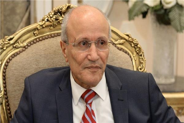الفريق فخري محمد سعيد العصار وزير الدولة للإنتاج الحربي