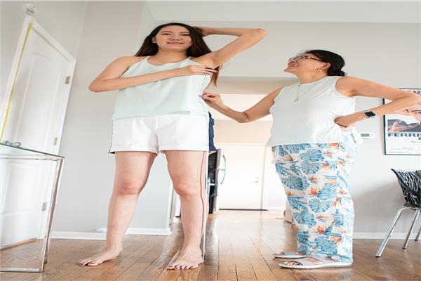 ثاني أطول ساقين في العالم من نصيب فتاة من منغوليا
