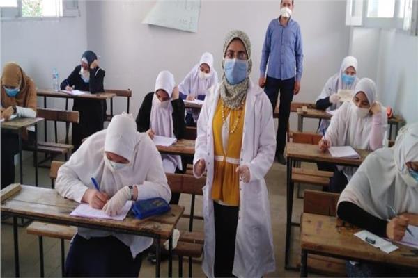 امتحان الدور الأول للعام الدراسي الحالي