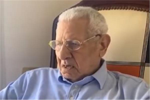 إصابة مكرم محمد أحمد بجلطة ونقله مستشفى العلمين