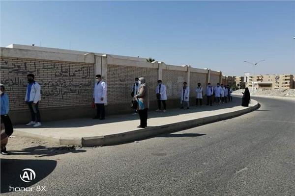 """"""" حجازى """"يتابع سير الامتحانات العملي للدبلومات الفنية وتعقيم اللجان يومياُ"""