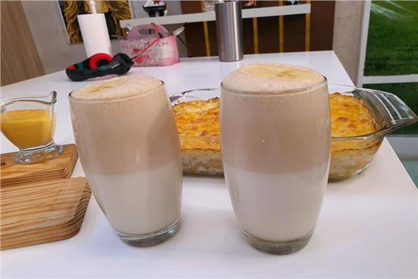 مشروب زبدة الفول السوداني بالعسل والآيس كريم