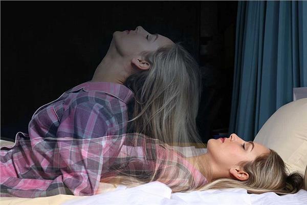 شلل النوم المؤقت.. أسرار «الجاثوم» في غرف البنات