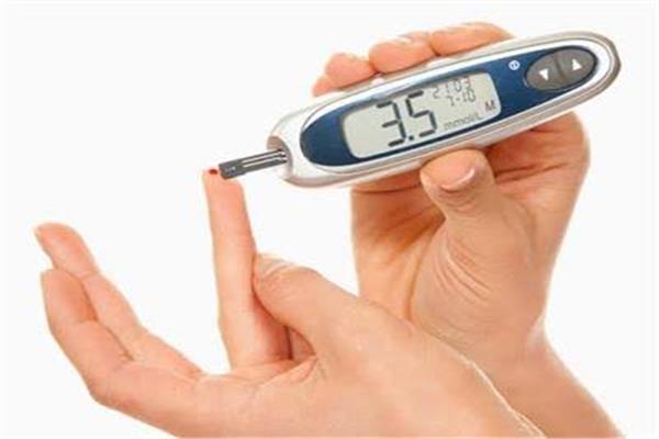 جراح أوعية الدموية يوضح عوامل الخطورة المرتبطة بمرض السكر من النوع الثاني
