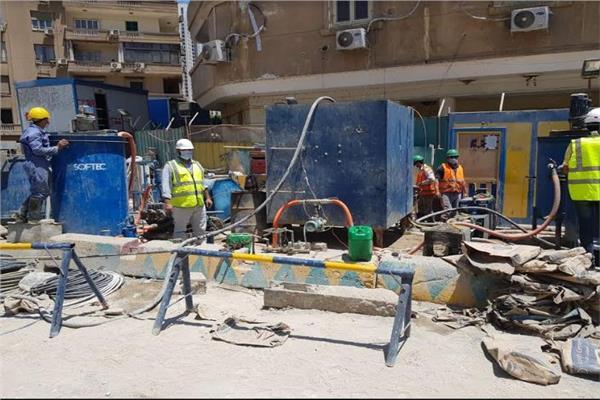 """""""النقل"""" تعلن استمرار إصلاح عمارة الشربتلي وغرفة بسفارة البحرين بالزمالك"""