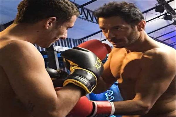 مصطفى شعبان يتدرب على الملاكمة