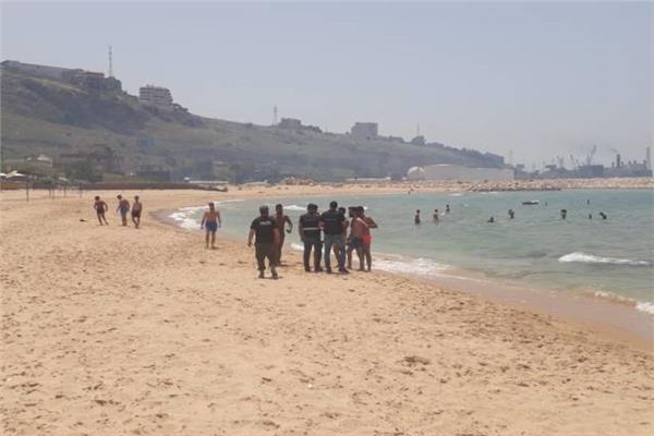 إخلاء شواطئ الرميلة ومينا الحشيش