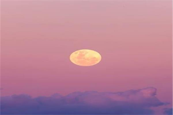 اكتمال القمر