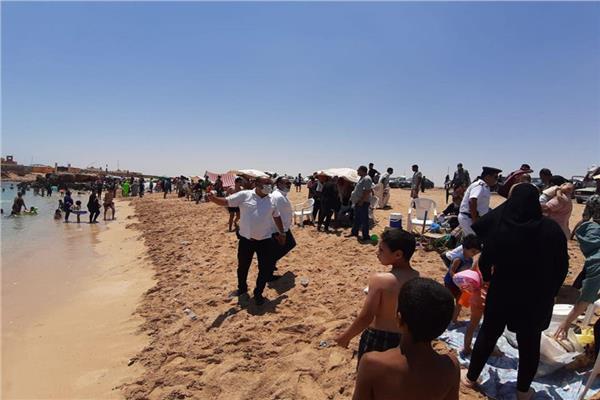 تجمعات على الشواطئ خلال أيام العيد بالمخالفة لقرارات مجلس الوزراء