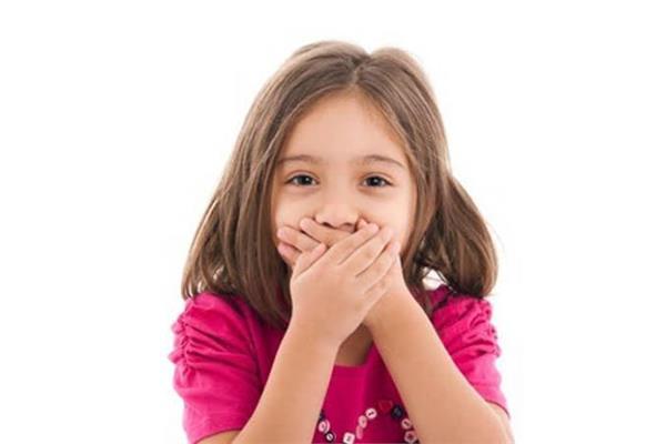 نصائح مجربة.. أمرين فقط للتخلص من رائحة فم طفلك السيئة