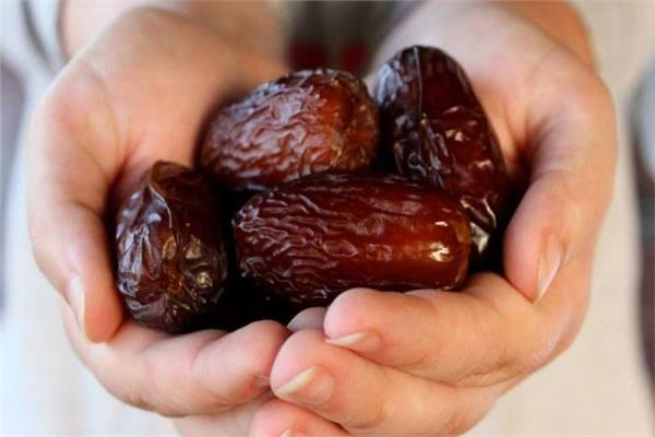 يعالج الإمساك المزمن ويحمي من السرطان.. 14 فائدة للتمر «منجم المعادن»