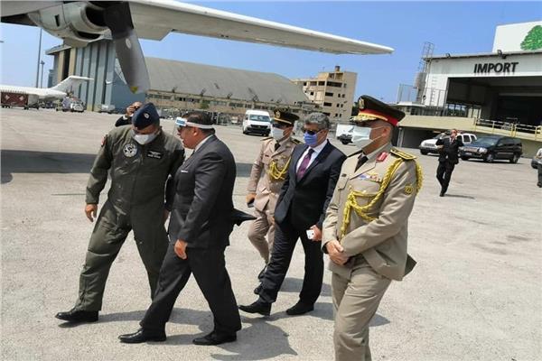 طائرات مصريه محملة بتسعة أطنان من المواد الطبية والإغاثية