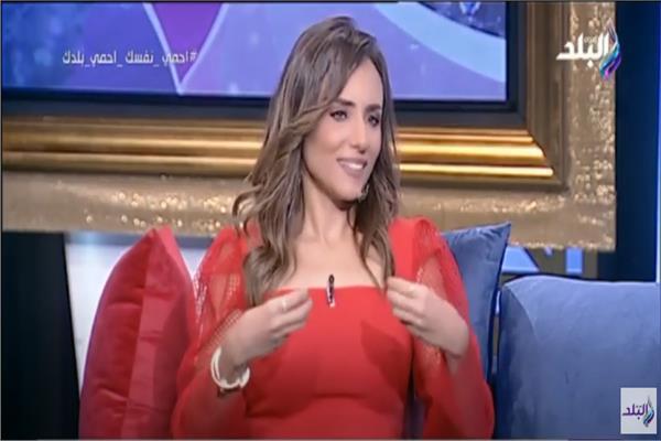 الإعلامية سالي حماد