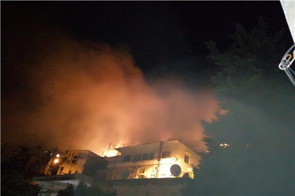 حريق جديد في لبنان.. والنيران تلتهم المنازل