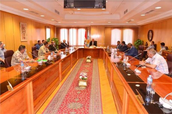 محافظ أسيوط يترأس اجتماع اللجنة العليا لمتابعة إنتخابات مجلس الشيوخ للوقوف على الاستعدادات النهائية