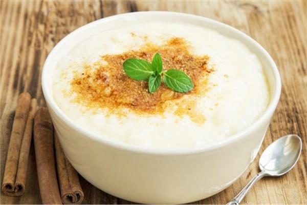 حلو اليوم.. «الأرز بلبن» بأسهل طريقة
