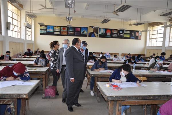 جامعة حلوان تعلن شروط القبول ببرنامج BIS بكلية التجارة وإدارة الأعمال