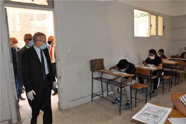 440 ألف 839 طالب بالدبلومات الفنية يؤدون الامتحان في آخر أيام الدور الأول