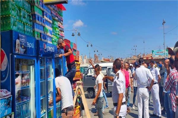 حملة مكبرة لإزالة الباعة الجائلين بالموقف الجديد في الإسكندرية