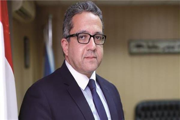 وزير السياحة والآثار الدكتور خالد العناني