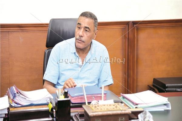 اللواء خالد شعيب محافظ مطروح خلال الحوار