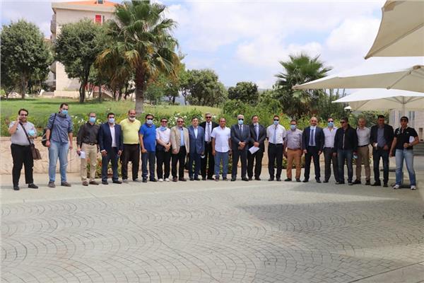 وفد طبي مكون من واحد وعشرين من بين أساتذة الجامعات المصرية المختلفة