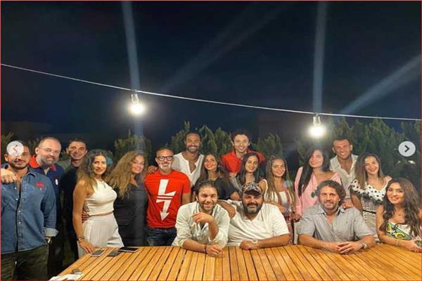 نجوم الفن في حفل عشاء بالساحل الشمالي