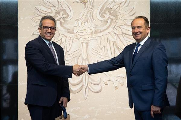 وزير السياحة والآثار يلتقى بنظيره البولندى