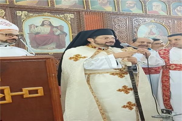 الأنبا باخوم يحتفل باعلان كنيسة العذراء بقويسنا مقراً بطريركياً وكاتدرائية