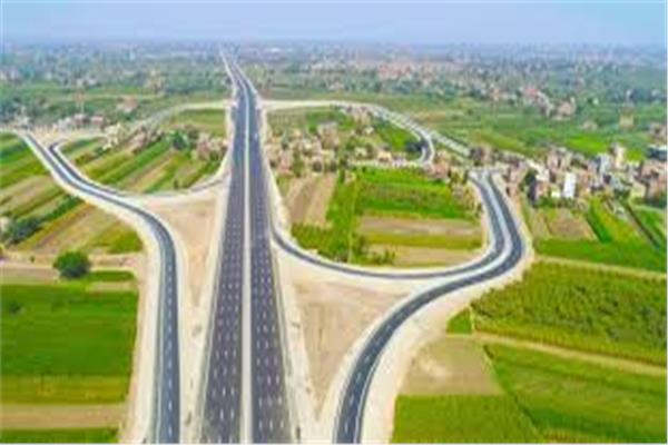 """نرصد مشروعات """"الطرق والكباري"""" خلال 6 سنوات.. أبرزها """"الدائري الإقليمي ومحاور النيل"""""""