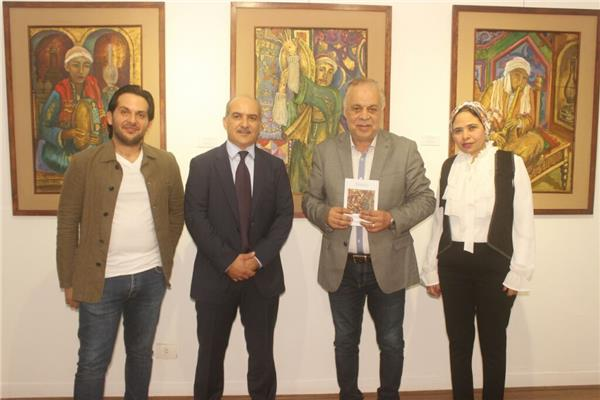 """أشرف زكي خلال مشاركته بافتتاح معرض """"ذكريات"""""""
