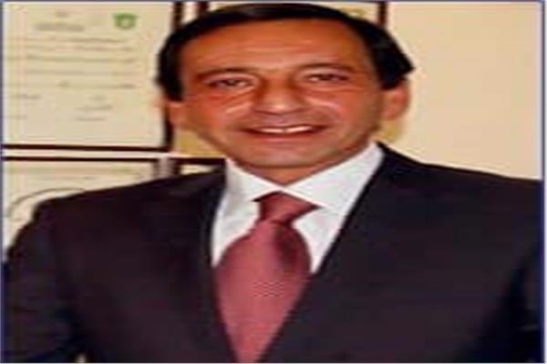 الدكتور ياسر صلاح الدين عبد القادر- مدير مركز السرطان في جامعة القاهرة