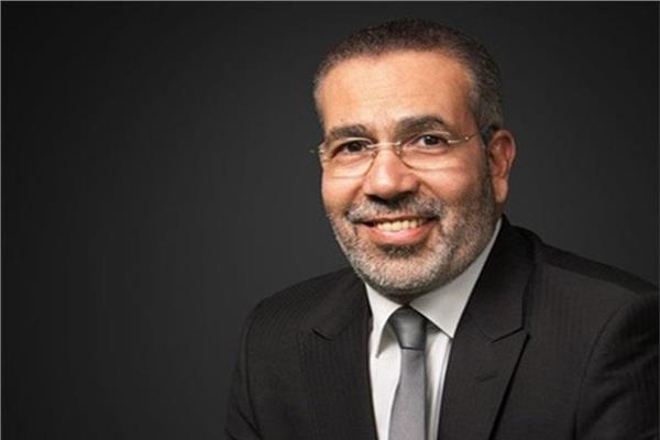الدكتور مدحت العدل الكاتب والسيناريست