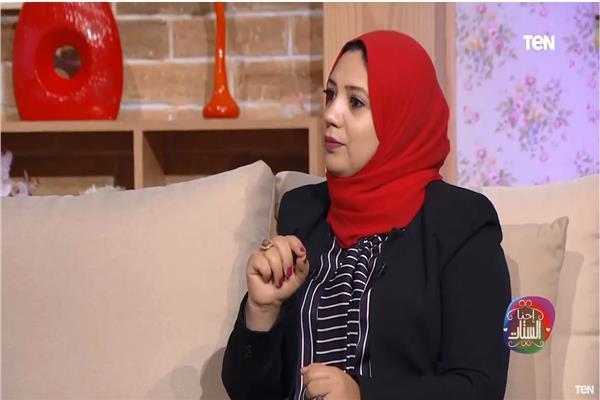 """الكاتبة هبة علي، تفاصيل كتابها """"حاسب قبل ما تتجوز"""