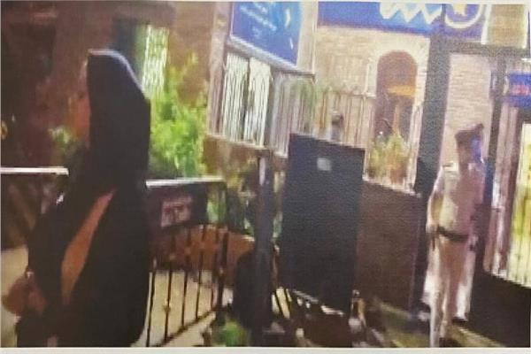 """الإفراج عن الفتاه التي كانت بصحبه نجل المعزول""""محمد مرسي"""" أثناء وفاته"""