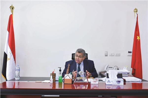 د.أشرف الشيحى رئيس الجامعة الصينية