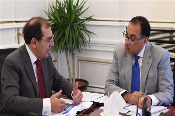 د. مصطفى مدبولي و  وزير البترول