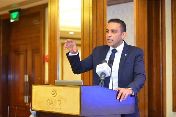 رئيس الجمعية المصرية لمنظار عنق الرحم وجراح الأورام النسائية د.محمد العزب