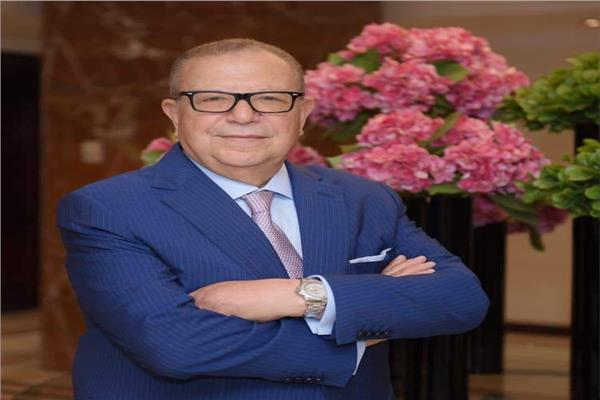 محمد عبد العال الخبير المصرفي