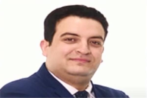 الدكتور أحمد عبدالقادر