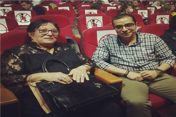سميرة عبدالعزيز خلال حوارها مع الزميل محمد طه