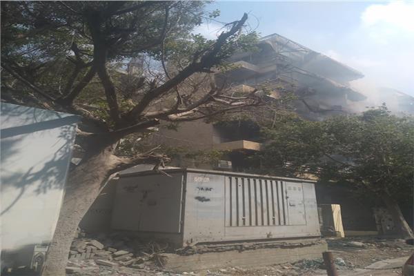 حريق هائل بعقار سكني بمصر الجديدة