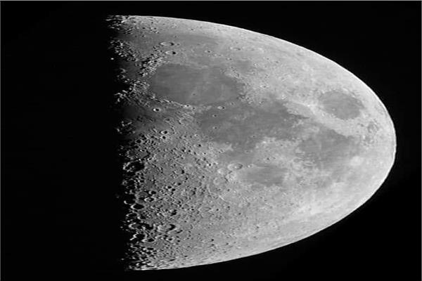 قمر التربيع الأول
