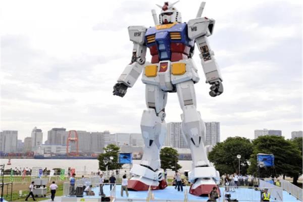 صورة شاهد.. أطول وأثقل روبوت في العالم