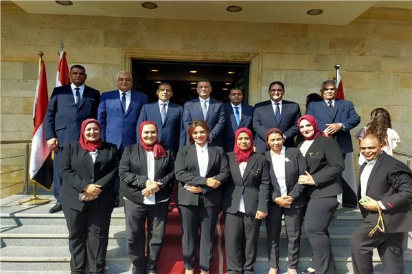 مرشحي القائمة الوطنية على مقر ائتلاف دعم مصر