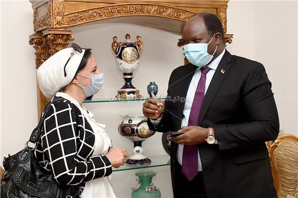 سفير أثيوبيا مع محررة بوابة أخبار اليوم