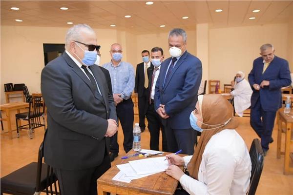 جولة تفقدية لرئيس جامعة القاهرة